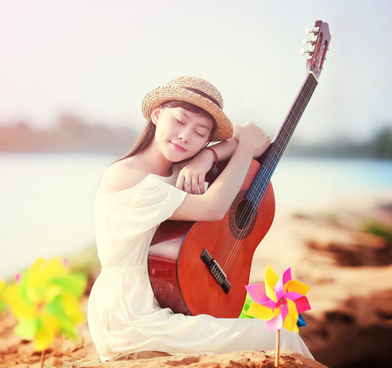Lake-Girl-With-Guitar-Wallpaper-768x720